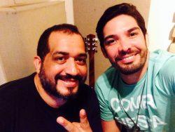 Kiko ao lado de Emanuel Dias, produtor musical de nomes como Wesley Safadão e Aviões do Forró. Emanuel acompanhou Kiko na gravação das músicas inéditas do novo disco do Forrozão