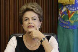 Presidente Dilma Rousseff reage durante encontro no Palácio do Planalto 7/12/ 2015. REUTERS/Ueslei Marcelino
