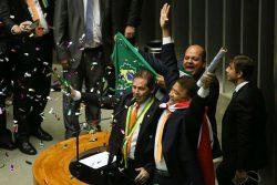 Brasília - Deputado Paulinho da Força fala durante a sessão para votação da autorização ou não da abertura do processo de impeachment da presidenta Dilma Rousseff, no plenário da Câmara (Marcelo Camargo/Agência Brasil)