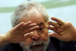 "Former Brazilian President Luiz Inacio Lula da Silva gestures as he attends a ""Democracy and social justice"" seminar in Sao Paulo, Brazil, April 25, 2016. REUTERS/Paulo Whitaker"