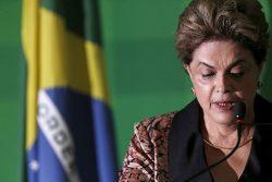 Presidente Dilma Rousseff em entrevista coletiva no Palácio do Planalto, em Brasília. 19/04/2016 REUTERS/Ueslei Marcelino