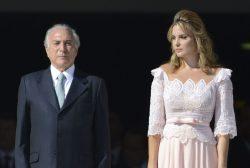 A presidenta Dilma Rousseff e o vice, Michel Temer, durante cerimônia de posse no Palácio do Planalto (José Cruz/Agência Brasil)