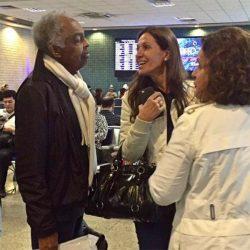Gilberto Gil tranquiliza fãs na internet