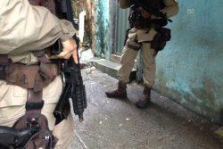 policia-faz-operacao-no-bairro-de-amaralina-em-salvador-foto-marcelcastro-bocaonews-1-e1470959329849-250x167