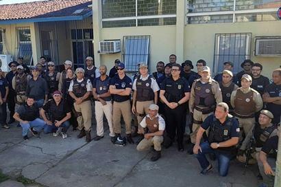 Resultado de imagem para fotos de policiais militares e civis da bahia em operação