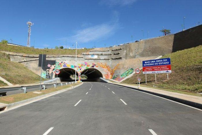 Resultado de imagem para Túnel da av paralela pinto de aguiar