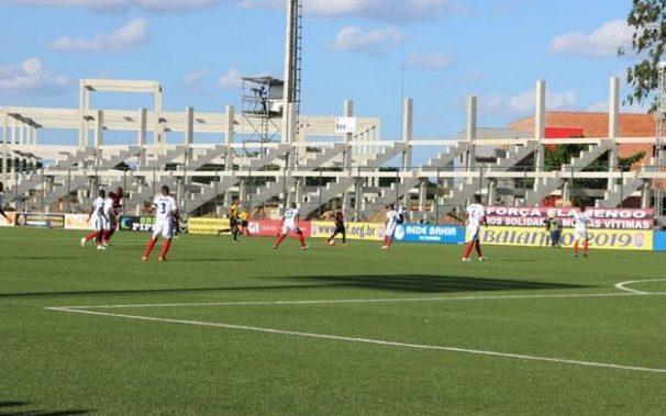 e6f369de251fa Bahia de Feira e Vitória ficam no empate em 2 a 2 na Arena Cajueiro ...